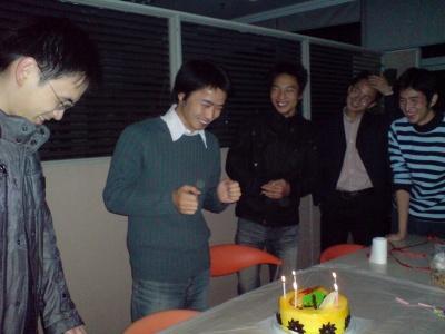 这是我以前公司王晓东同学生日时拍的相片,…