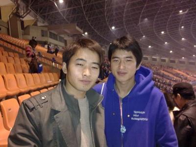 和好友晓冬一起在杭州黄龙体育馆看2011…