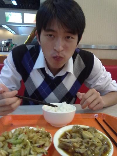 在杭州的物美超市,饿急了找个地方吃饭,这…