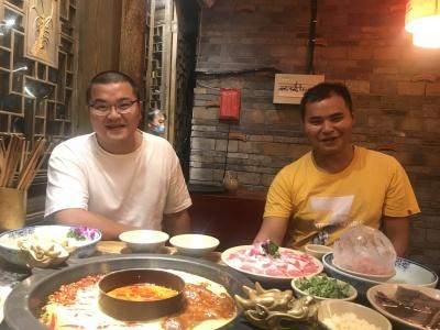 叫了两个表弟一起来吃火锅,这次终于吃到了…