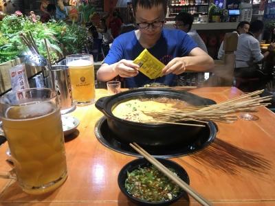 和阳田同学吃火锅,本想去蜀大侠的,但那里…